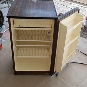 Avanti 51RG Mini Refrigerator Fridge for Sale in Phoenix, AZ
