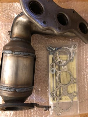 New Catalytic converter toyota sienna 3.5l v6 for Sale in Des Plaines, IL