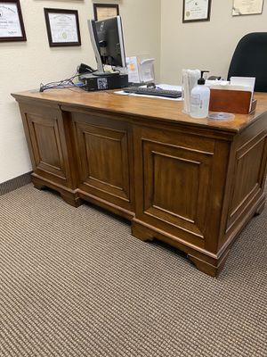Wood Desk for Sale in Fresno, CA