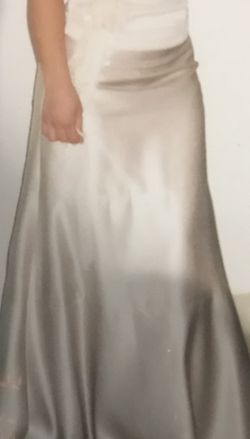 Beautiful Dress Size 2!!! for Sale in Portland,  OR