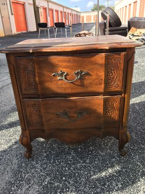 Small dresser for Sale in Tampa, FL