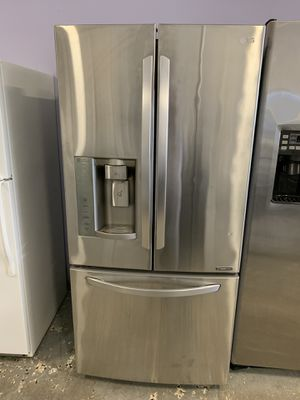 30by67 LG FRENCH DOOR FRIDGE STAINLESS STEEL WITH WATTANTY for Sale in Lake Ridge, VA