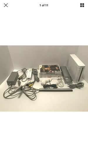 Nintendo Wii Console Bundle with 4 games, controllers, and accessories - TESTED for Sale in Grove City, OH