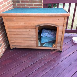 Dog House Fits 2 Small Dogs Wooden Real Roof for Sale in Columbia, SC