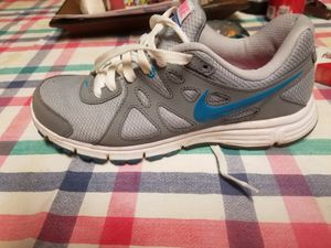 Nike tennis shoes size 8.5 for Sale in Clay City, KY