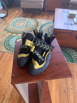 La Sportiva Miura Climbing Shoes, Size 39 for Sale in Chicago, IL