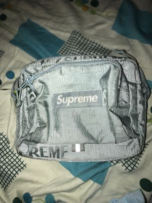 Supreme SS19 ice bag (8/10 condition) for Sale in Silver Spring, MD