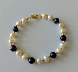 14k black and white pearl bracelet for Sale in Mifflinburg, PA