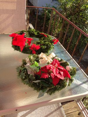 FREE XMAS WREATHS TODAY PLEASE MESSAGE ME FOR PICK UP! for Sale in Sebring, FL