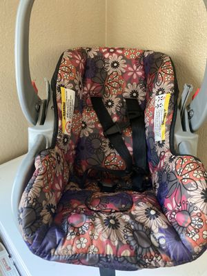 Baby car seat for Sale in Saint Hedwig, TX