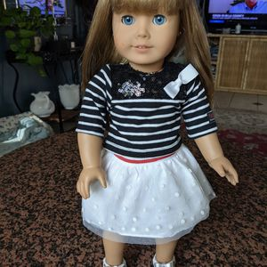 American Girl Doll With 5 Original Outfits And More for Sale in Orange, CA