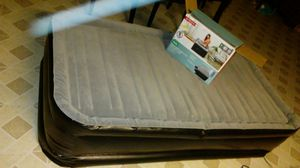 TWIN DELUXE HIGH AIR BED (built in a/c pump) like new for Sale in Phoenix, AZ