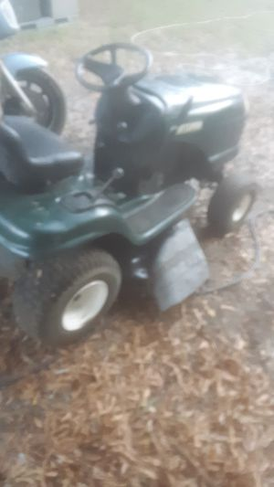 Craftsman riding mower runs an cuts good just need a new deck belt and drive belt for Sale in Burlington, NC