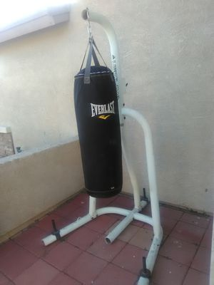 Punching bag/ speed bag with stand for Sale in Avondale, AZ
