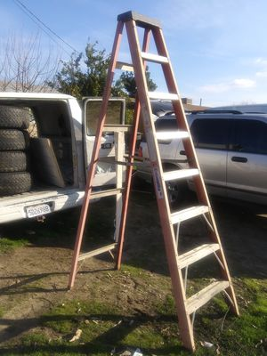 8 foot ladder columbia for Sale in Fresno, CA