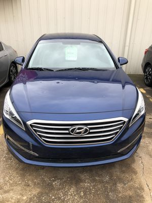 2015 Hyundai Sonata Clean Title low miles Cloth upholstery no leaks or mechanical issues CARFAX available for Sale in Dallas, TX