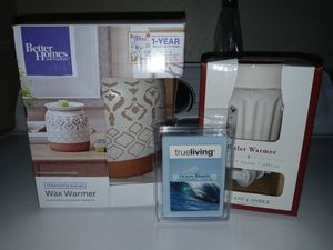 NEW LARGE WARMER/PLUG IN WARMER/WAX for Sale in Fresno, CA