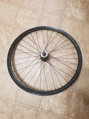 Fixed gear wheels // Good hubs and cog for Sale in Norwalk, CA
