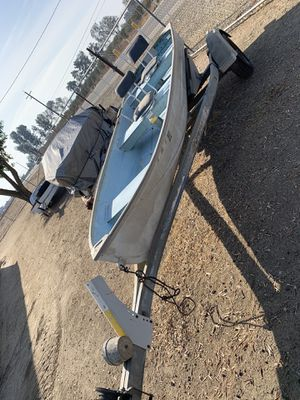 12 foot Aluminum Fishing Boat and aluminum trailer for Sale in Clovis, CA