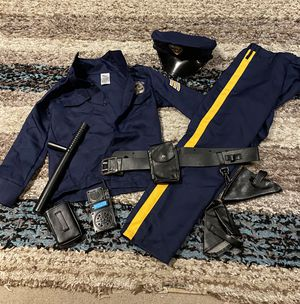 Deluxe Police officer Halloween costume for Sale in Mukilteo, WA