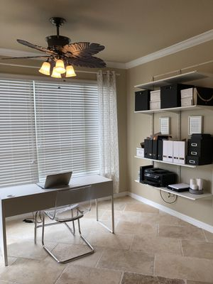 Wall storage/shelving unit for Sale in Orlando, FL