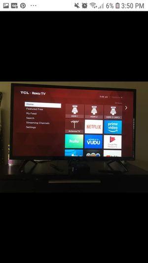 Tv TCL 32 smart for Sale in Pompano Beach, FL