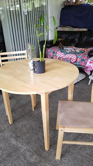 Coffee table for Sale in Bay Lake, FL