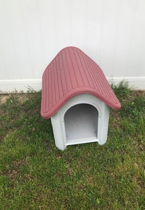 Dog house for Sale in Hyattsville, MD