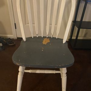 Five Table Chairs for Sale in Alexandria, LA