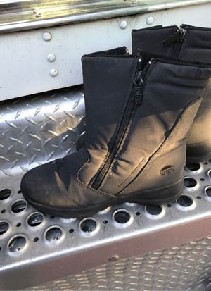Girls rain snow boot totes size 7 for Sale in Santee, CA