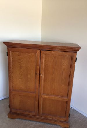 Bassett's Oak Entertainment Cabinet Excellent Condition for Sale in Falls Church, VA