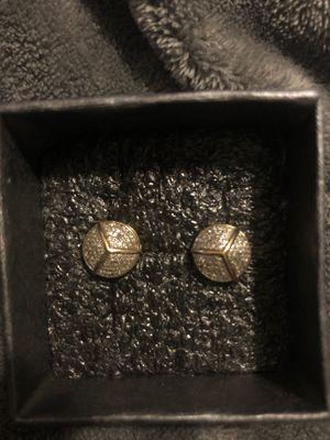 14 k Diamond earring for Sale in Waterbury, CT
