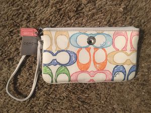 Coach multicolor large wristlet. for Sale in Willowbrook, IL