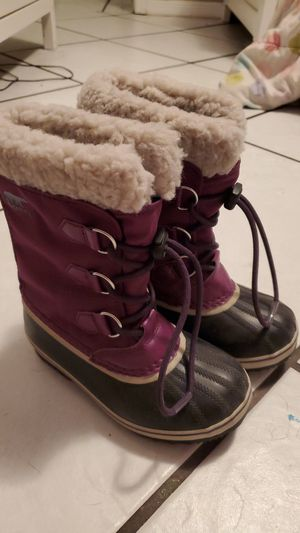 Girls size 1 Sorel snow boots for Sale in Miami, FL