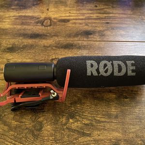 Rode VideoMic Camera Mount Shotgun Microphone W Rycote Shock Mount for Sale in Glendale, CA