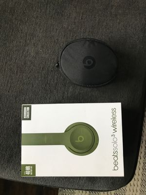 BEATS SOLO 3 EXCELLENT CONDITION for Sale in Bristol, PA