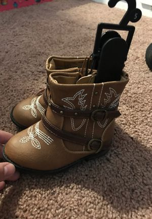 Garanimals toddler girl boots size 5 for Sale in Palm Springs, CA