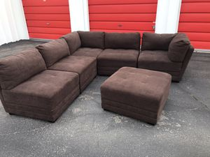 Comfortable sectional couch 6 pieces with ottoman living room for Sale in Phoenix, AZ