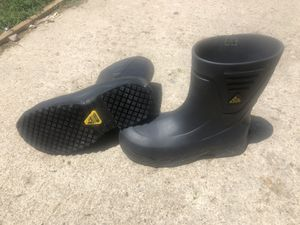 Kitchen working boots steal toe size 10 .5 or 11 for 40 bucks for Sale in Thornton, CO