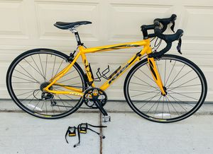 KHS flite 720 road bike for Sale in Las Vegas, NV