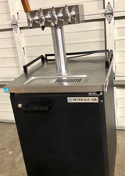 Commercial draft beer dispencer keg cooler for Sale in Issaquah,  WA