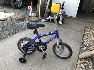 "12"" Boys Huffy Bicycle w/ Training Wheels for Sale in Sacramento, CA"