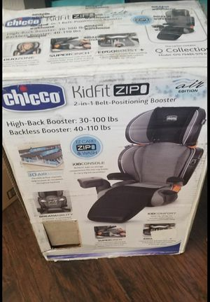 Chicco 2 in 1 Booster Carseat for Sale in Merced, CA