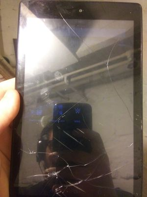 Amazon Fire HD 8 (cracked screen) for Sale in Cleveland, OH