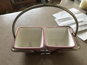 Pampered Chef two bowl set in caddy for Sale in Mount Airy, MD