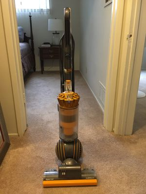 Dyson Vacuum (Multi-floor 2) for Sale in Arcadia, CA