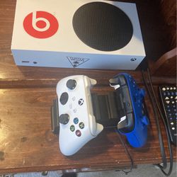 Xbox Series S for Sale in Cleveland,  OH