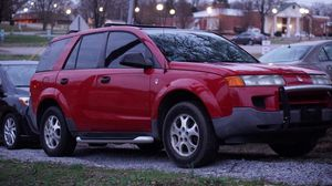 2003 Saturn Vue Manuel transmission for Sale in Reidsville, NC