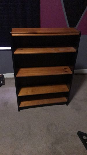 Small book shelf for Sale in Lehigh Acres, FL