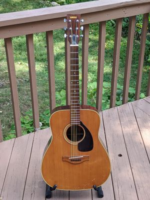 Yamaha FG 180 coveted red label late 60s made in Japan jumbo dreadnought for Sale in Teaneck, NJ
